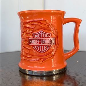 Harley-Davidson orange with red flames coffee cup